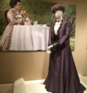 Maggie Smith, who played Violet Crtawley, Dowager Countess of Grantham, wore violet for mourning.