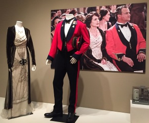 Elizabeth McGovern as Cora Crawley, Countess of Grantham, and Hugh Bonneville as Robert Crawley, Earl of Grantham, wore these outfits in Season 2.