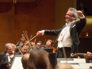 Louis Langrée, conductor, makes his Linton debut as pianist. He's shown here with the Cincinnati Symphony Orchestra Great Performers All-Tchaikovsky program; concert otographed: Wednesday, January 6, 2015; 8:00 PM at David Geffen Hall at Lincoln Center; New York, NY. 2015 PHOTO CREDIT - Richard Termine